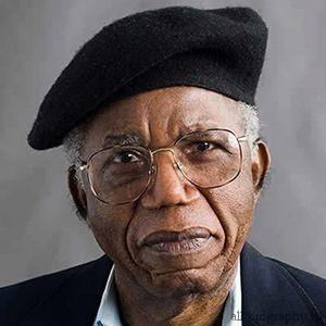 Биография Чинуа Ачебе