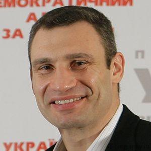 Биография Виталий Кличко