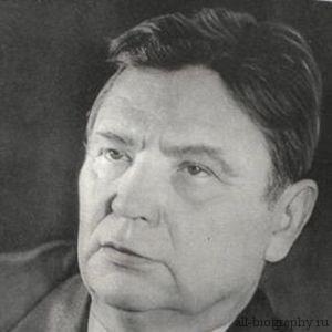 Биография Максим Танк