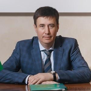 Биография Валерий Бикбулатов