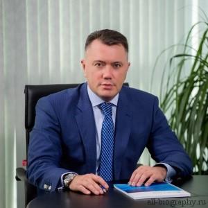 Биография Олег Поляков