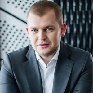 Биография Александр Андрианов