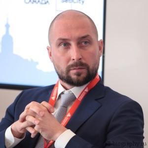 Биография Андрей Биржин