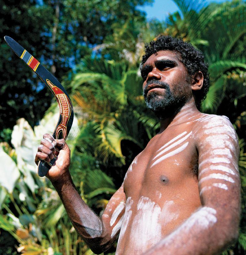https://obrazovaka.ru/wp-content/images/predmet/geografiya-34619-aborigen-s-bumerangom.jpg